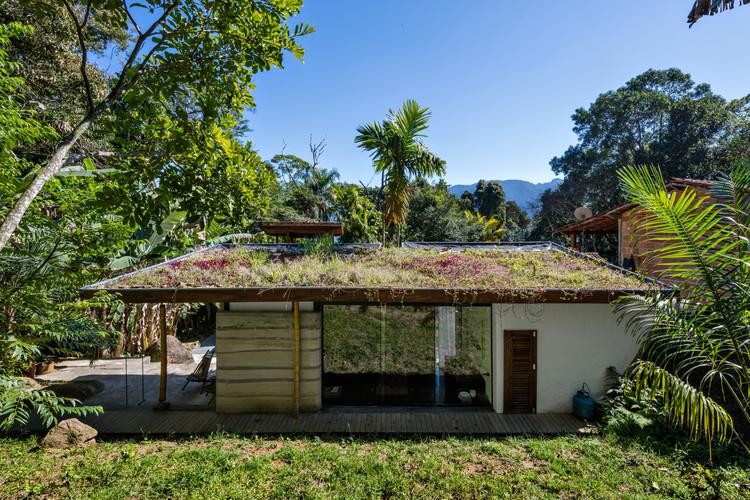 Guesthouse Paraty / CRU! Architects, © Nelson Kon