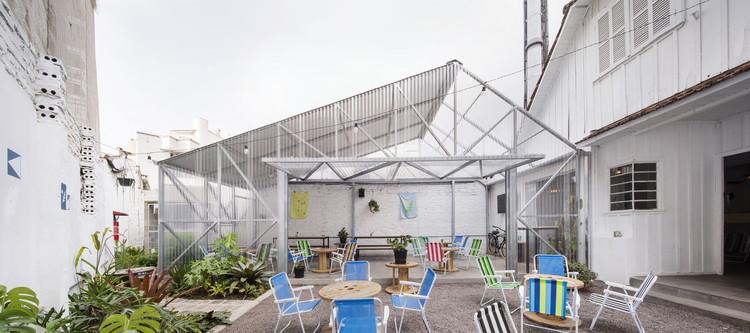 Jambu Bar Jardim / Arquea Arquitetos, © Federico Cairoli