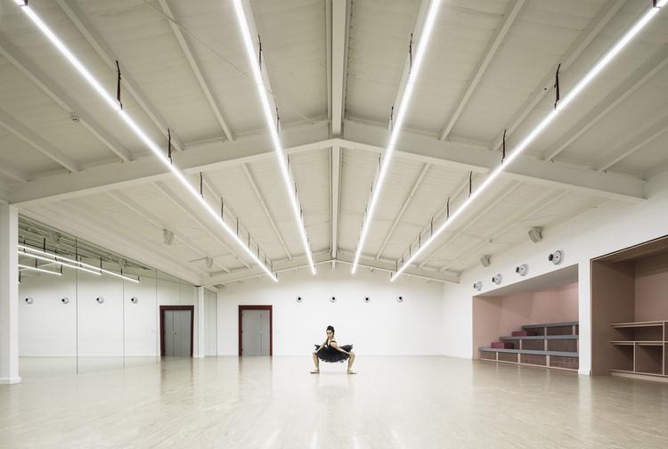 Academia de Danzas STEPS / SKETCH, © Fernando Alda
