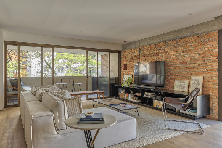 Apartamento Itaim / SOEK Arquitetura + VOA Arquitetura, © Rafael Renzo