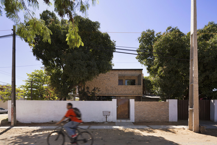 Casa Jota / Minimo Comun Arquitectura, © Federico Cairoli