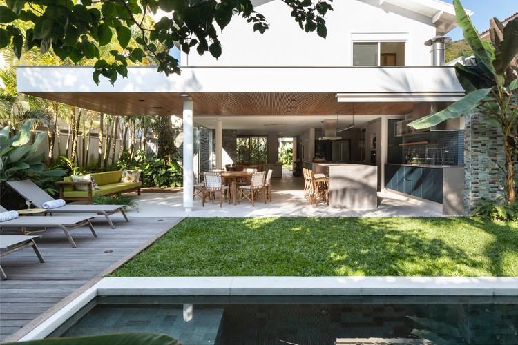 Casa Baleia / Tavora Dainese Arquitetura, © Evelyn Muller