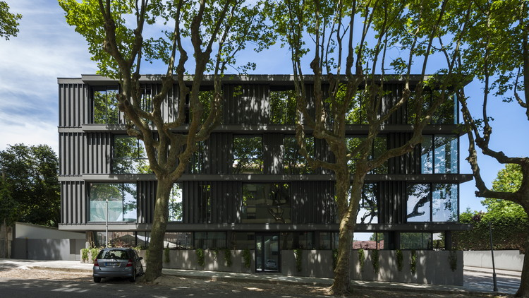 Edifício residencial em Foz / Luís Peixoto, © Arménio Teixeira