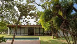 Itaipu House / Equipe Lamas