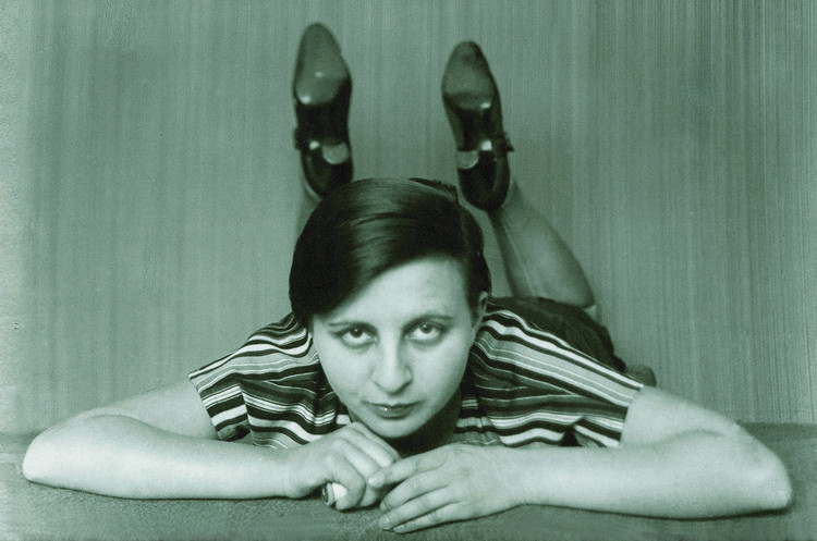 An Introduction to Seven Influential and Innovative Women of the Bauhaus, ? Gertrud Arndt, Bauhaus Archive, Berlin