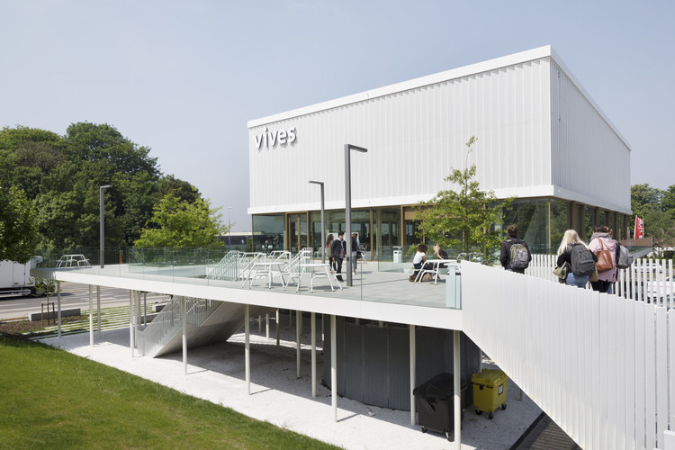The Cube / dmvA Architecten, © Luca Beel