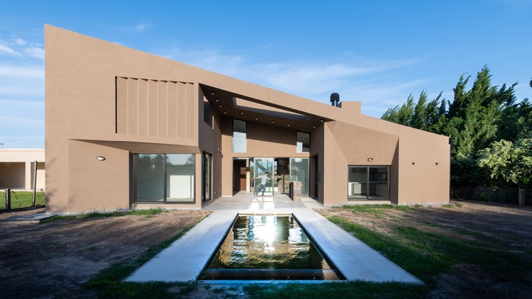 Casa de um teto / Ambroggio arquitectos, © Gonzalo Viramonte