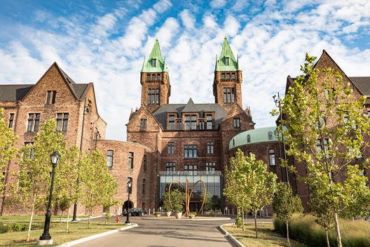 Richardson Olmsted Campus, Buffalo, NY / Henry Hobson Richardson & Fredrick Law Olmsted. Image Courtesy of The National Trust for Historic Preservation'