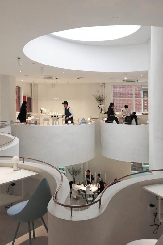 Café S.Engine Fengshengli / Atelier Ohne Zwang