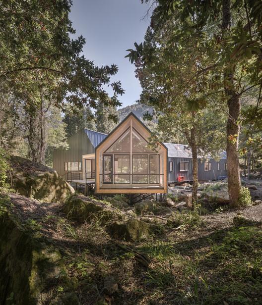 Schwember García-Huidobro Arquitectos, oficina chilena destacada en los German Design Award 2019, Casa sobre las Rocas / Schwember García-Huidobro Arquitectos. Image © Nicolás Sánchez