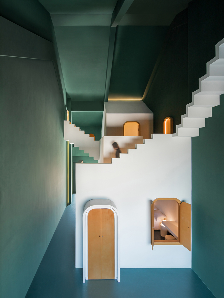 Dream & Maze / Studio 10