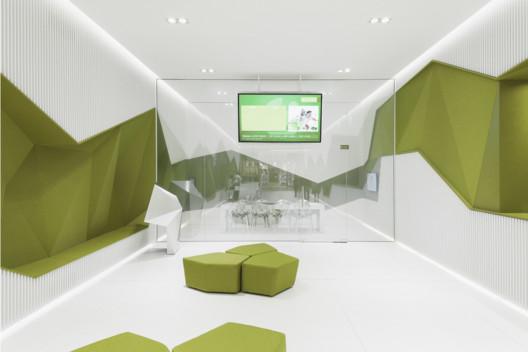 Gif - Front. Image Courtesy of DA architects
