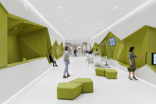 Sucursal Banco DSK / DA architects