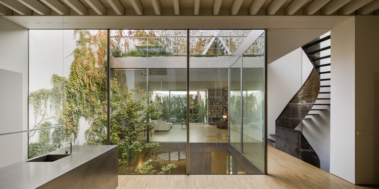 House Refurbishment in Seville Historic Center / Harald Schönegger + Inmaculada González, © Fernando Alda