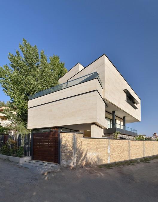 Niloufar Villa / Line Architecture Studio, © Deed Studio