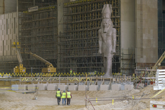 """One of the four concurrent mobile workshops of the LafargeHolcim Forum on """"archeological heritage"""" will visit the Grand Egyptian Museum where the 11m high, 83 ton statue of Ramses II will be first monument that visitors will see in the museum's entrance hall. © Dana Smillie"""