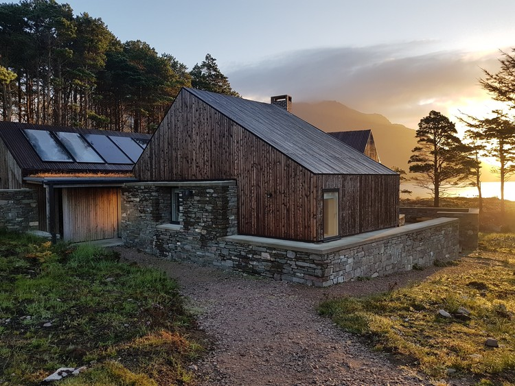 Haysom Ward Miller's Lochside House Named RIBA House of the Year 2018, Lochside House. Image © Richard Fraser