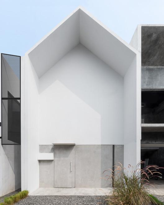 Casa MO / DFORM, © Mande Austriono Kanigoro