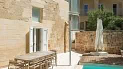 The Coach House / AP Valletta
