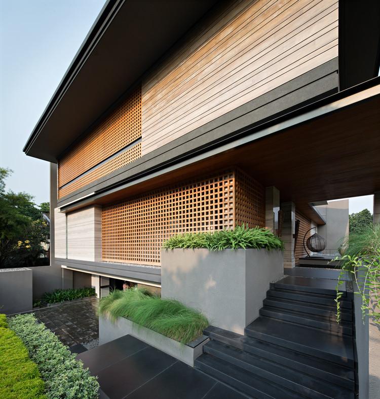 HOUSE & GARDENS - cover