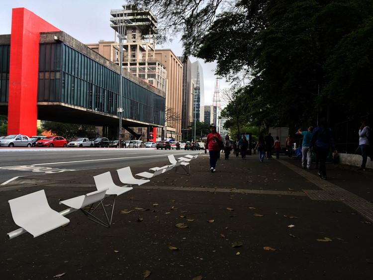 Arquitetos consagrados propõem mobiliários urbanos para a Avenida Paulista, Concurso Paulista para Todos - Proposta de Paulo Mendes da Rocha + Nadezhda Rocha. Image Cortesia de Esquina