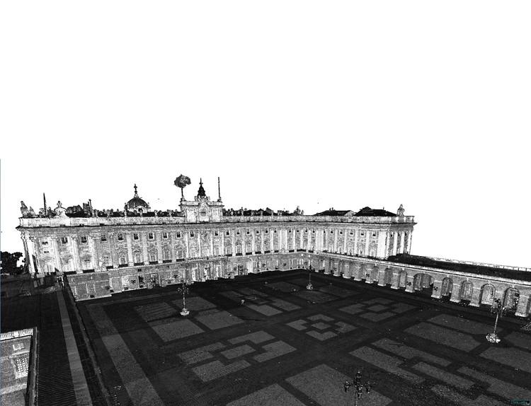 Nube de puntos exterior del Palacio Real de Madrid con BLK360 y P40 . Image Cortesía de Leica Geosystems