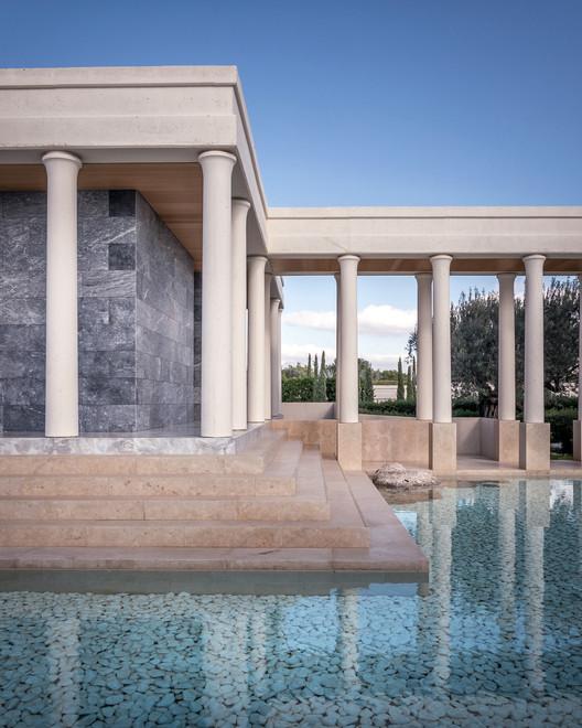 Amanzoe Luxury Hotel & Villas / Edward Tuttle | Designrealization, © Pygmalion Karatzas
