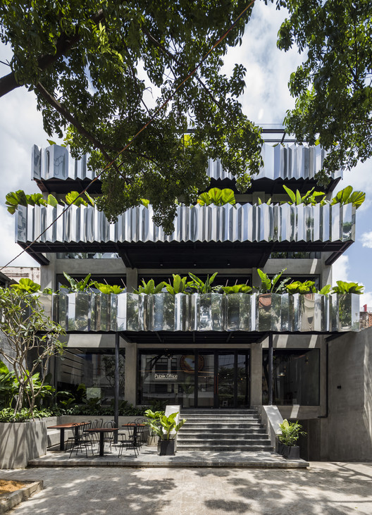 Publik Office en SAIGON / Sanuki Daisuke architects  , © Hiroyuki Oki