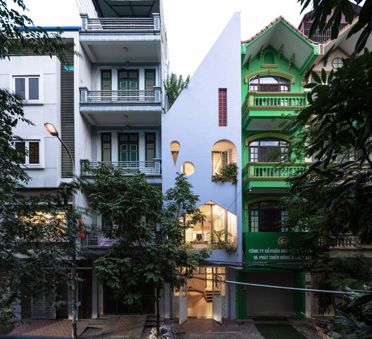 ??i Kim house / Aline Architect