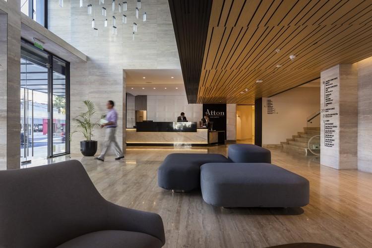 Hotel Atton San Martin / A+ M ALEMPARTE-MORELLI, © Marcos Mendizaval