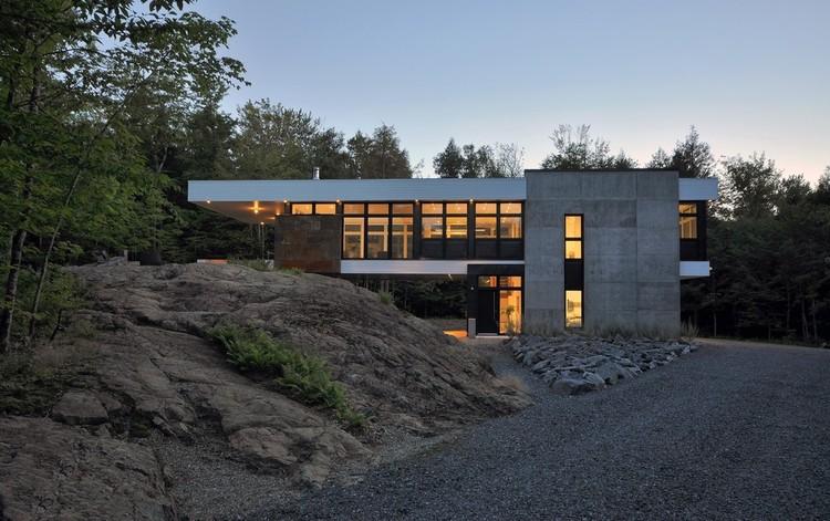 Shelter on a Rock / ESPACE VITAL architecture, © Stéphane Lemire