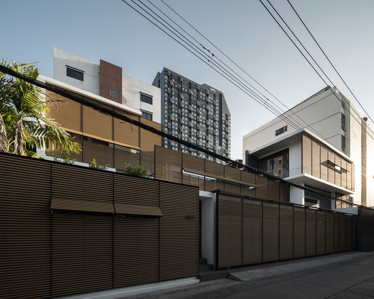 Sukhumvit 91 House / Archimontage Design Fields Sophisticated, © Chalermwat Wongchompoo