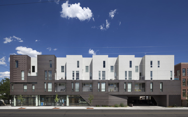 Architecture without Architects: The Cut-Paste Typology Taking Over America, Tejon 35 / Meridian 105 Architecture. Image © Raul Garcia