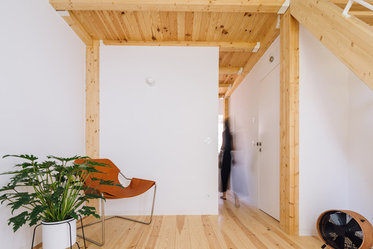 4 Casas en Graça / Lioz Arquitetura