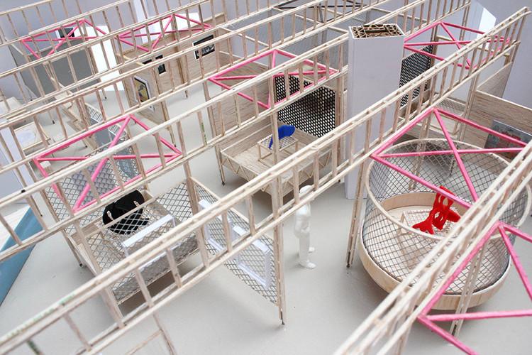 Antonio Yemail y su colección de maquetas: 'Son la primera construcción de la construcción', Instalación 'La forma del futuro'. Image Cortesía de Antonio Yemail