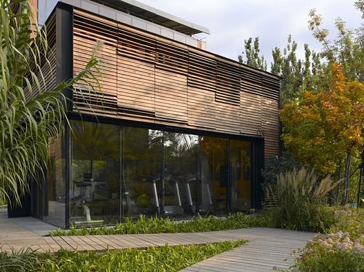 Fitness house facing the garden. Image © Su Chen, Chun Fang