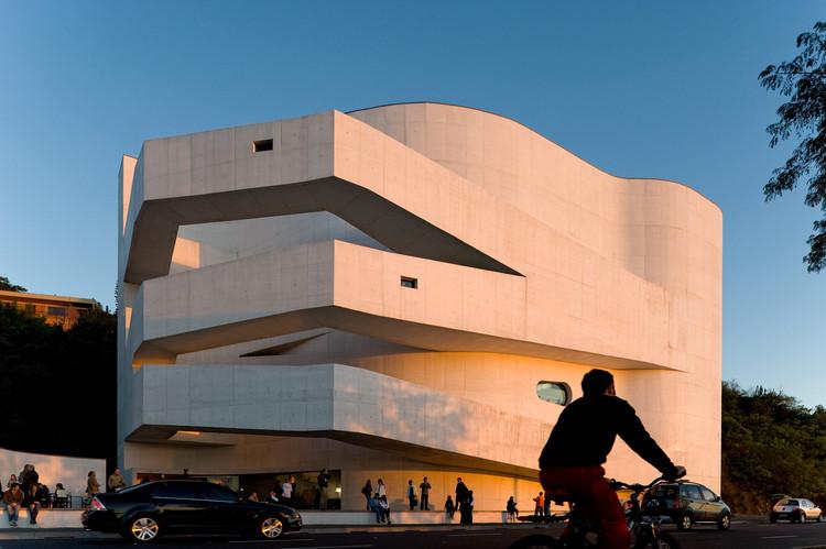 Congresso Brasileiro de Arquitetos traz o tema Espaço e Democracia, Fundação Iberê Camargo, em Porto Alegre. Image © Fernando Guerra | FG+SG