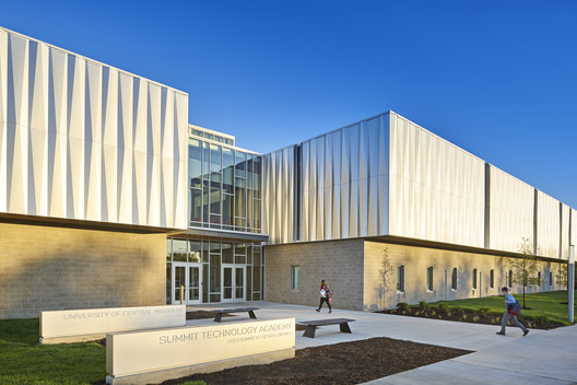 Missouri Innovation Campus / DLR Group & Gould Evans Architects