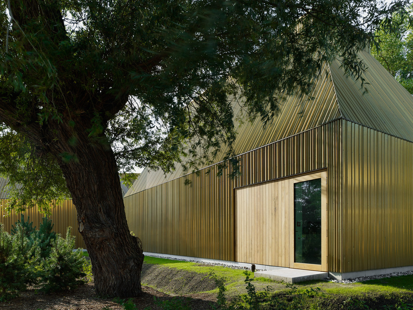 Gallery of Copper Projects: Architecture's Original Bling - 11