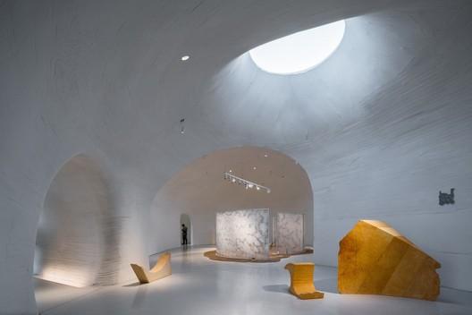 Gallery. Image © Qingshan Wu