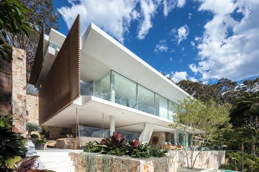 The Waterfront Retreat / Koichi Takada Architects