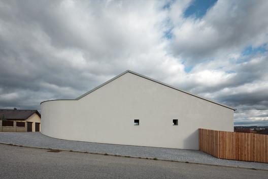 Family House in Litvínovice  / Atelier 111 Architekti