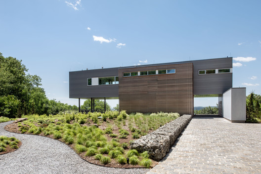 Hudson River House / Resolution: 4 Architecture