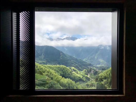 Door and Window System . Image Courtesy of gad • line+ studio