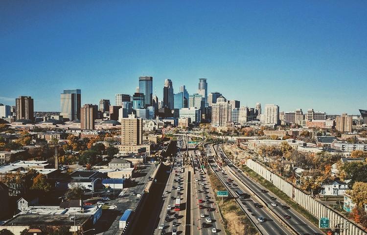 Minneapolis se torna a primeira cidade dos EUA a banir o zoneamento unifamiliar, Minneapolis. Cortesia de Creative Commons