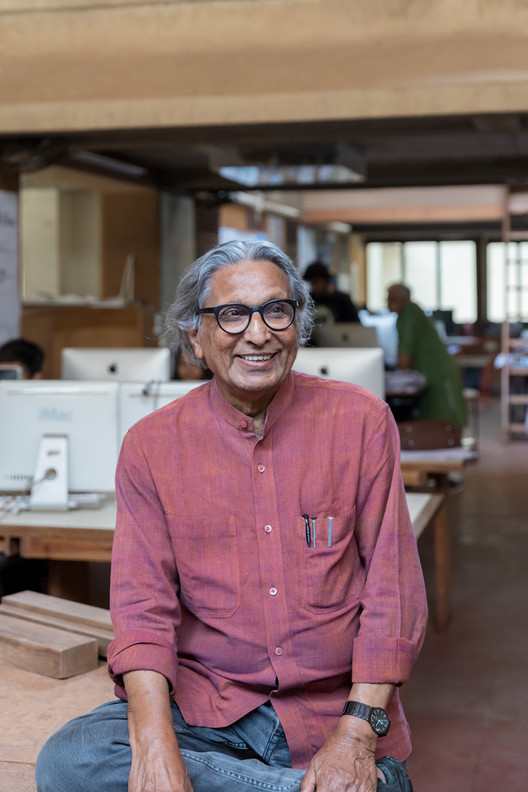 "Balkrishna Doshi: Architecture for the People, Balkrishna Doshi in his studio, ""Sangath Architect's Studio"", Ahmedabad, 1980 © Iwan Baan 2018"