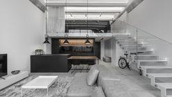 Loft industrial minimalista / IDwhite