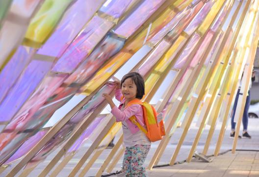 Community Activity Smiles in Qinglong Hutong. Image © Wei Kang, Kexin Li, Xinyuan Cai, Yufei Shi