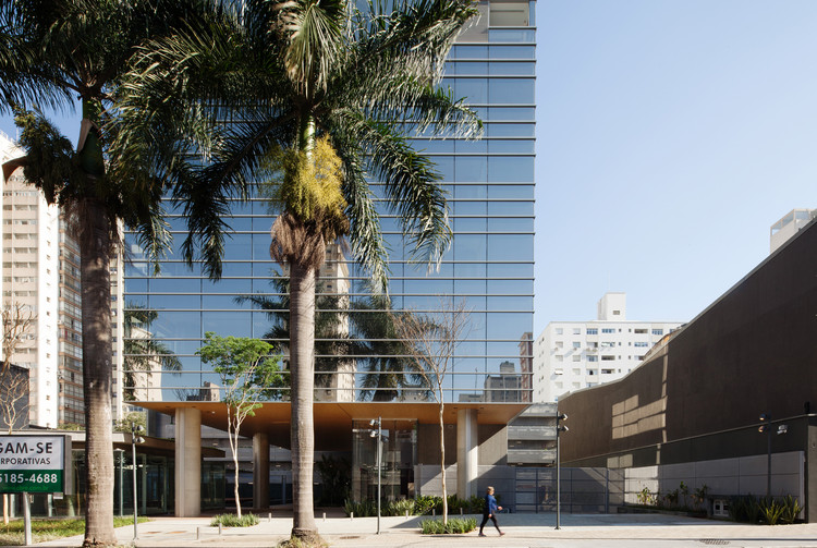 Augusta Corporate / aflalo/gasperini arquitetos, © Daniel Ducci