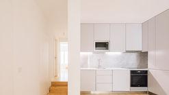 Apartamento Rua das Trinas 116 / Maria Ines da Costa